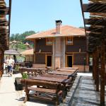 Ресторан на језеру у Еко селу Коштунићи
